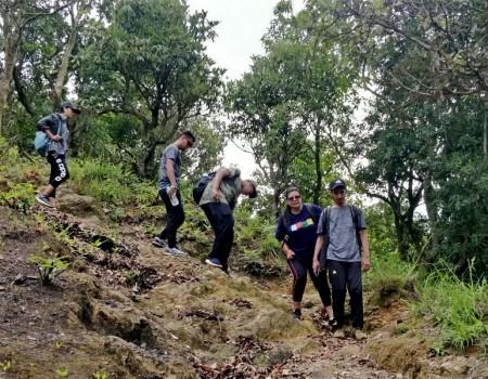Indra Daha Day Hiking